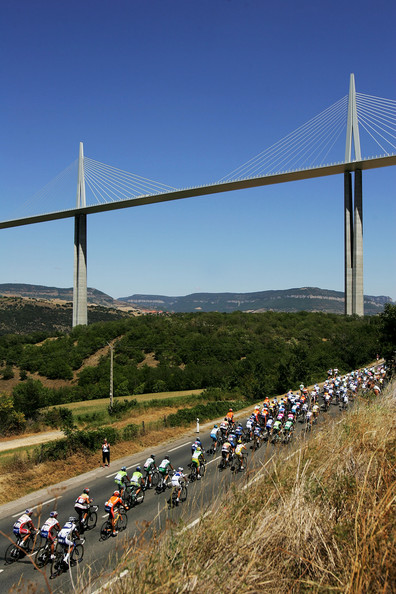 tour de france viaduc millau